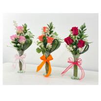 Arrangement of 3 roses